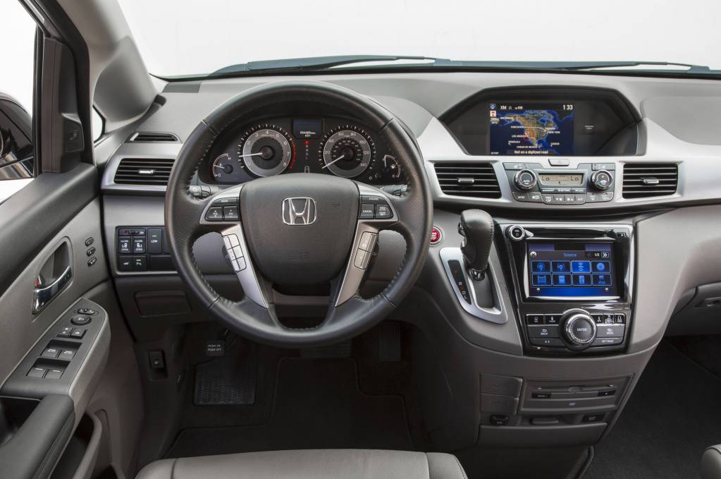 2016-Honda-Odyssey-steering-wheel-and-center-stack.jpg
