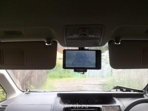 А для камер обгонной и заднего хода я поставил 9 мониторчик с креплением на зеркало заднего вида. На этот же мониторчик в дальнейшем планирую вывести картинку от медиабокса на Андроиде. - 20140713_151427.jpg
